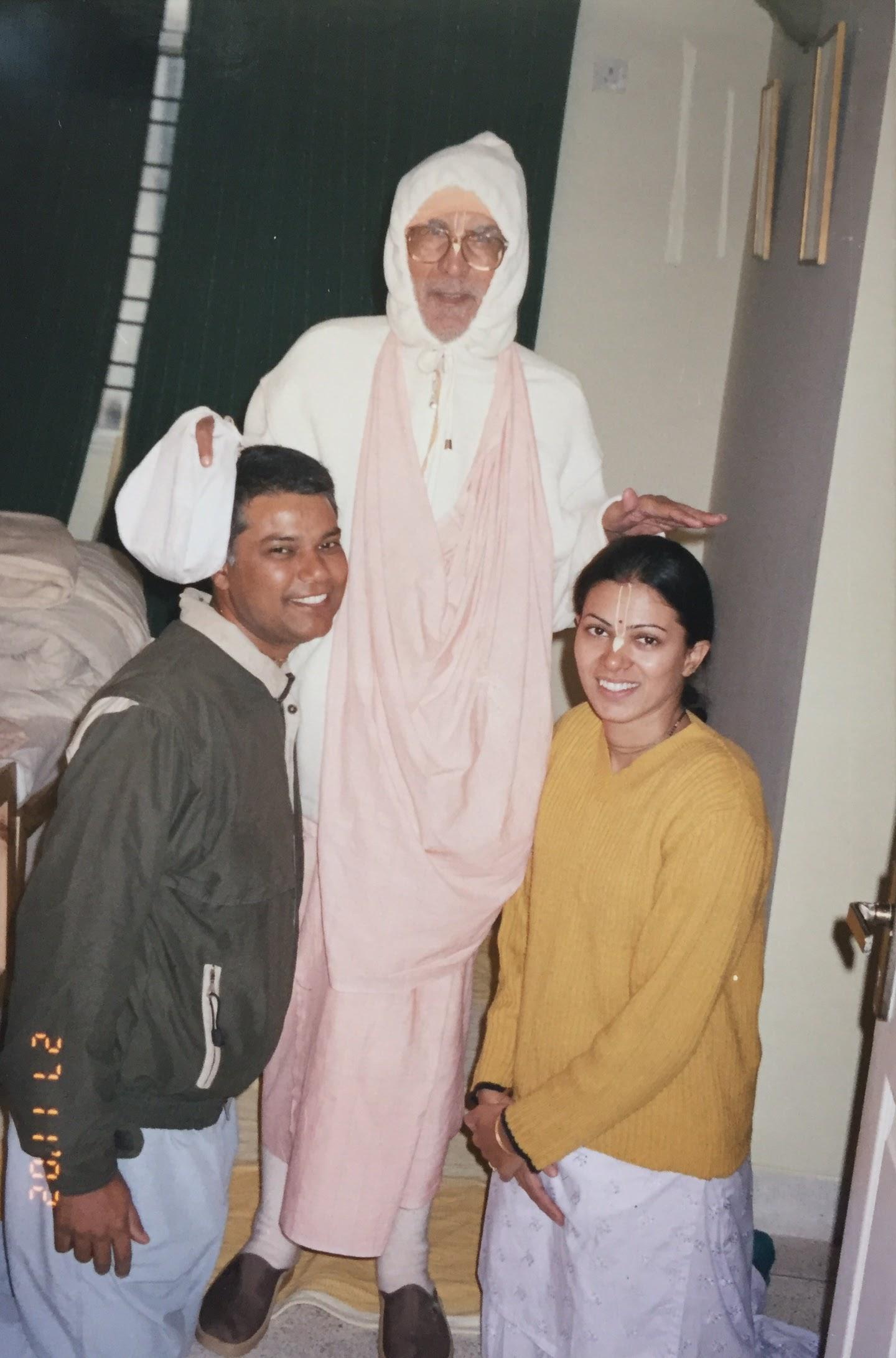 Srila Gurudeva ki Jai!